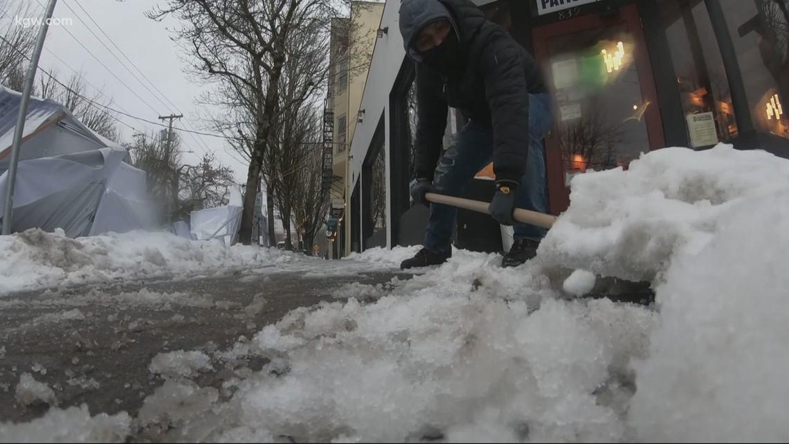Restaurants feeling the blow of winter weather