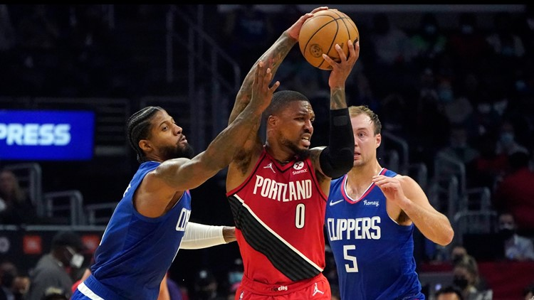 Kennard has 23, Clippers rout Blazers 116-86 for 1st win