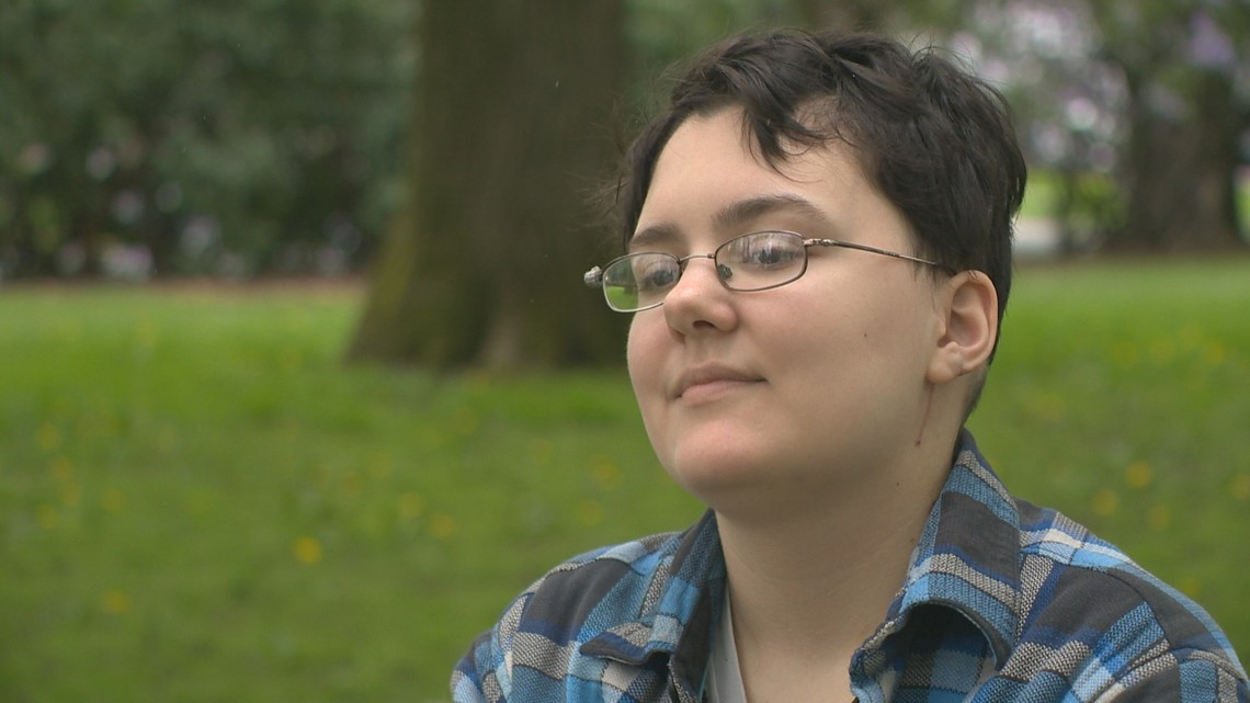 'I saw someone's shadow': Woman recounts stabbing by stranger in NE Portland