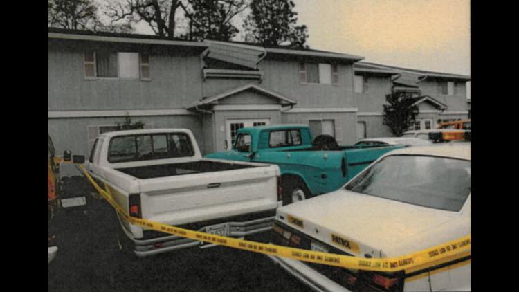 The Yellow Car: Photos of crime scene
