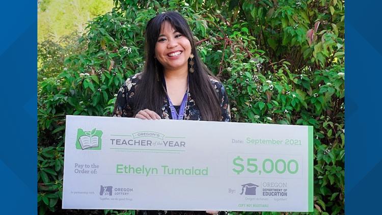 Clackamas High School teacher named 2022 Oregon Teacher of the Year