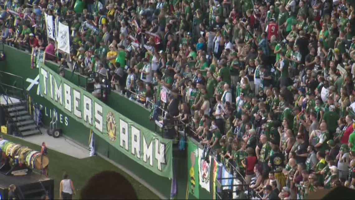 Timbers protest new MLS 'no political flags' rule with 33 minutes of silence
