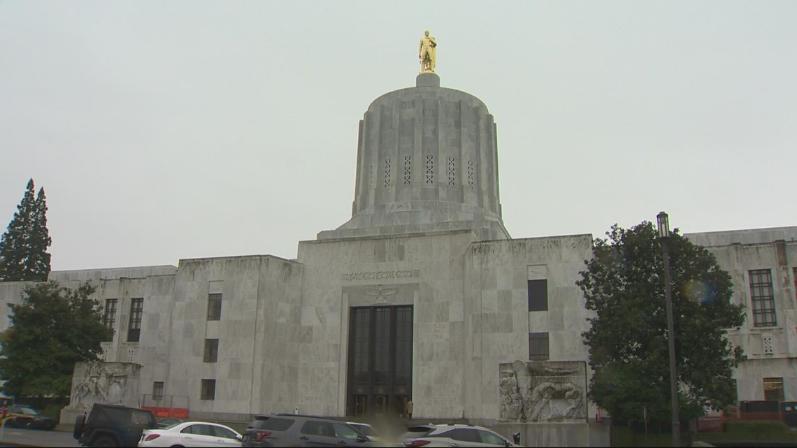 Special session on redistricting begins in Oregon