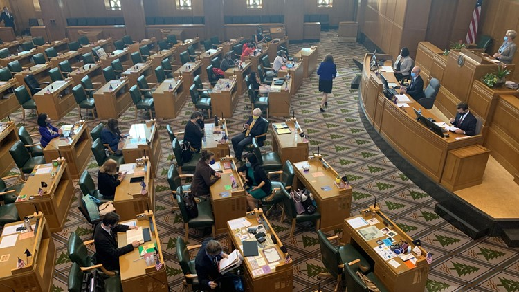 Oregon House Republicans boycott redistricting vote