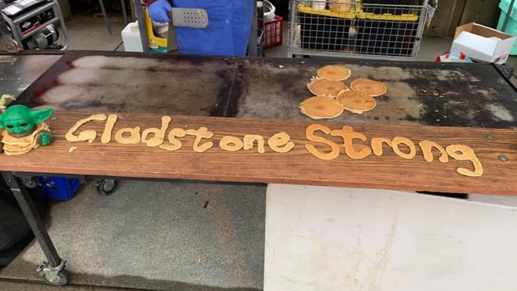 Gladstone volunteers provide hot meals and other resources to people without power