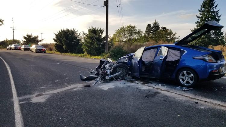 Fatal crash closes Hwy 214 between Woodburn and Mount Angel