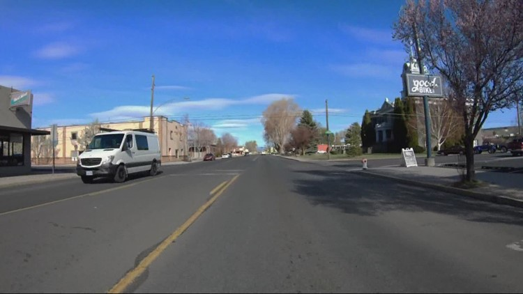 Oregon's rural communities use vans for mobile COVID-19 vaccine clinics