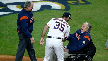 President George H.W. Bush still in ICU but is 'responding, recovering'