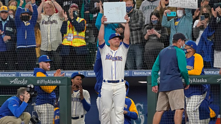 Mariners fans still 'believe' after heartbreaking end to the team's season