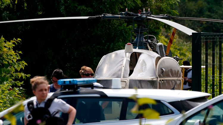 French gangster flees prison after helicopter escape