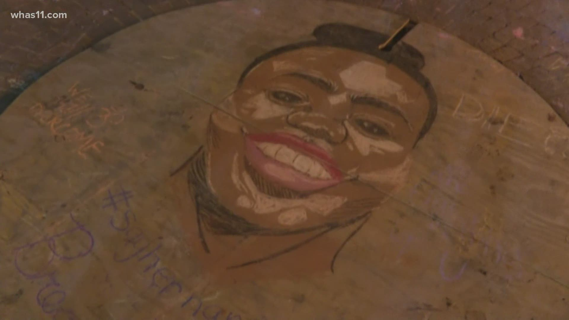 Mural Of Breonna Taylor Sits In Center Of Jefferson Square Park Kgw Com